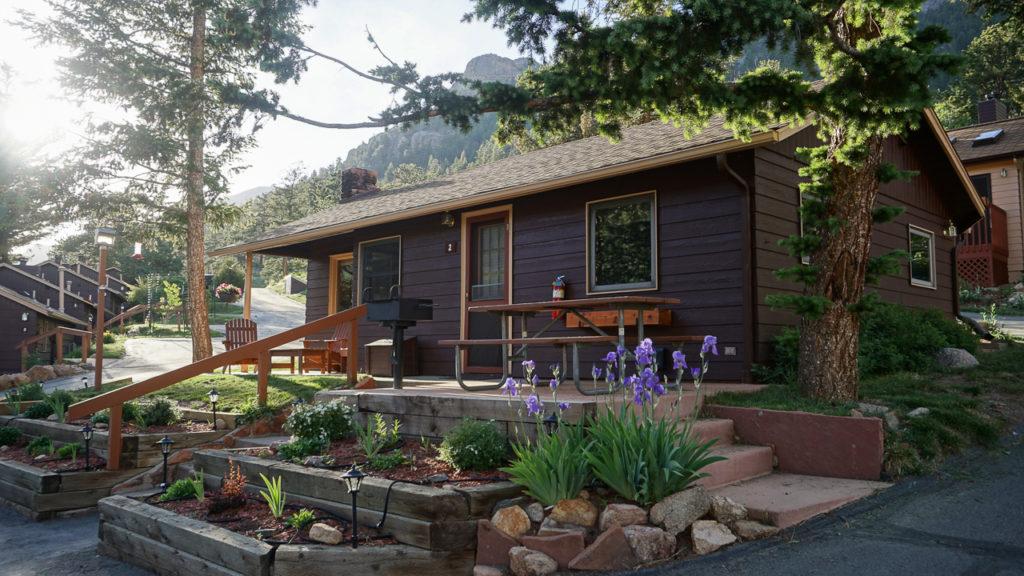 Estes Park Cabins - Pinon Cottage