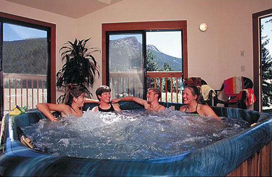 McGregor Mountain Lodge Hot Tub