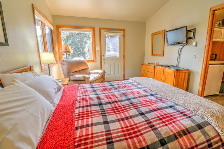 Cedar Lodge Rooms