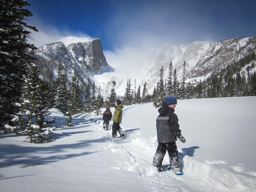 Snowshoeing to Emerald Lake
